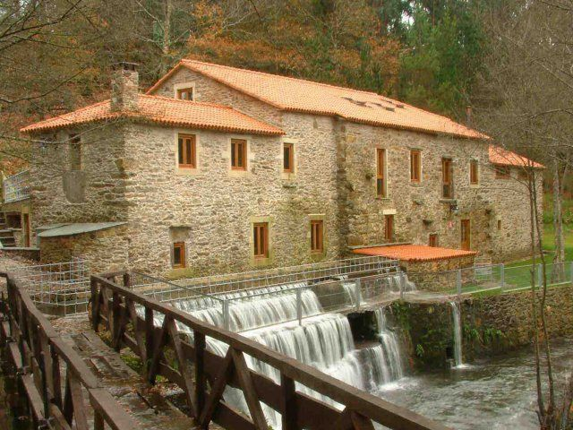 Die Letzte 100 Km in Hotels und Pazos ( alte und stattliche Haüser aus Galizien ). SARRIA-SANTIAGO DE COMPOSTELA zu Fuss. 1